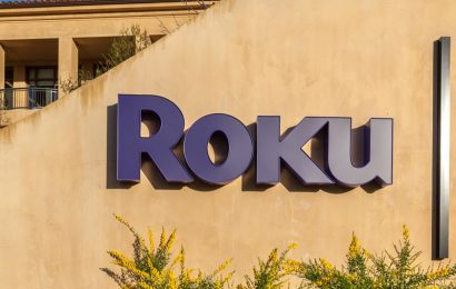 ROKU Stock Price Hits New High, is it time to Buy or Sell?