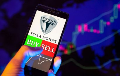 Insider Buying: $10 Million Reasons Elon Musk Thinks Tesla, Inc. (TSLA) is Headed Higher